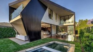 An Angular Marvel Thinks Outside the Box in West Hollywood